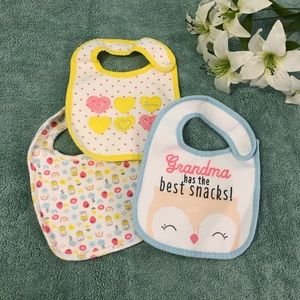 🌼Carter's Bib Set🌼